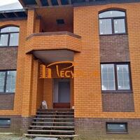 Дом 273 м² (кирпич) на участке 12 сот.