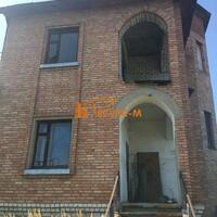 Дом 188 м² (кирпич) на участке 13 сот.